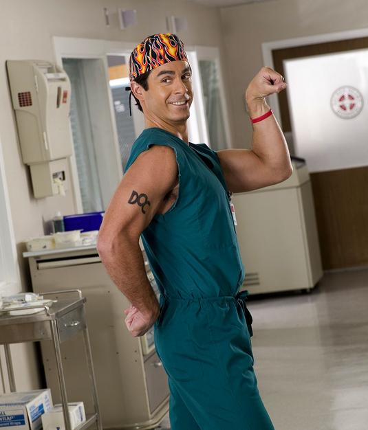 Robert Maschio joue Todd Quinlan dans Scrubs.